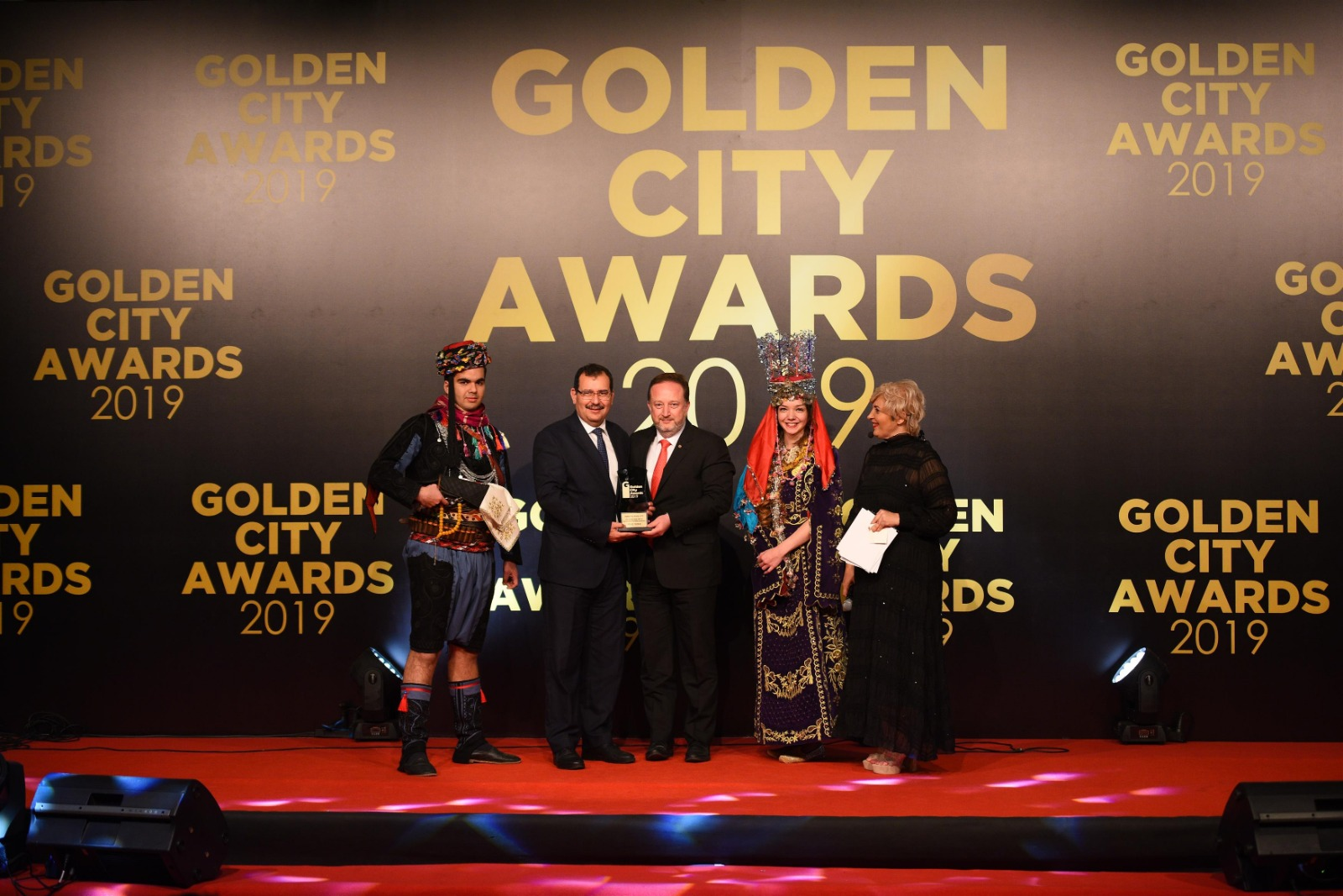 201912201123_golden-city-awards (1)-639cd5b1-d1d1-4eff-860c-ab22b8d3d4c8.jpg